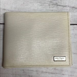 SALVATORE FERRAGAMO Calf Leather Bifold Wallet